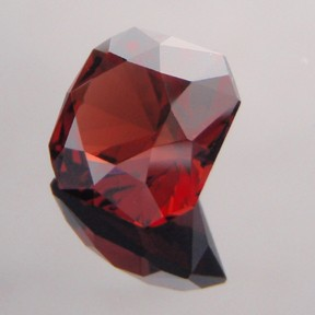Malaya Garnet, Flanders Brilliant, #206 - Doug Menadue :: Bespoke Gems - Master gemcutter and lapidary artist specialising in fine custom cut precision gems from a wide range of select facet gem rough. Located in Sydney, Australia.