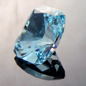 Natural Blue Topaz, Signature #3, Brazil, #207 - Doug Menadue :: Bespoke Gems - Master gemcutter and lapidary artist specialising in fine custom cut precision gems from a wide range of select facet gem rough. Located in Sydney, Australia.