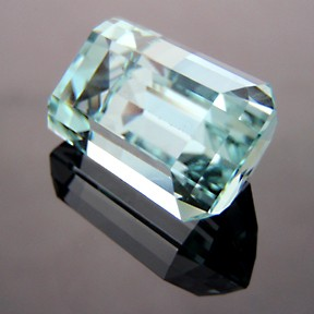 Aquamarine, Emerald Cut, #209 - Doug Menadue :: Bespoke Gems - Master gemcutter and lapidary artist specialising in fine custom cut precision gems from a wide range of select facet gem rough. Located in Sydney, Australia.