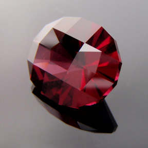 Rhodolite Garnet, Birdie, #294 - Doug Menadue :: Bespoke Gems - Master gemcutter and lapidary artist specialising in fine custom cut precision gems from a wide range of select facet gem rough. Located in Sydney, Australia.