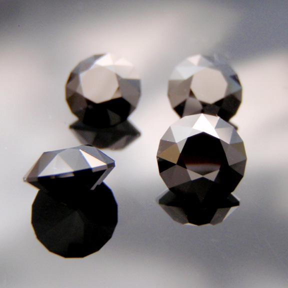 Black Spinel, Round Brilliant, Central Queensland, #535