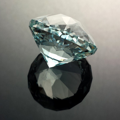 Natural Blue Topaz, Triple Star Extra, #554 - Doug Menadue :: Bespoke Gems - Master gemcutter and lapidary artist specialising in fine custom cut precision gems from a wide range of select facet gem rough. Located in Sydney, Australia.