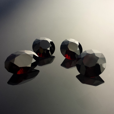 Garnet, Mixed, #563 - Doug Menadue :: Bespoke Gems - Master gemcutter and lapidary artist specialising in fine custom cut precision gems from a wide range of select facet gem rough. Located in Sydney, Australia.